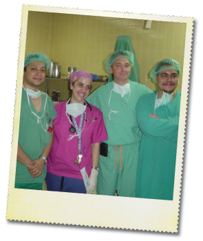 Dr. Horlbeck with residents at the Hospital-Escuela in  Tegucigalpa, Honduras