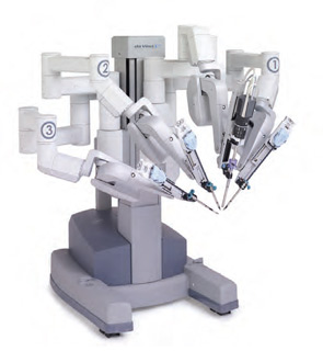 The da Vinci Si system allows the surgeon to operate three robotic arms simultaneously, while positioning a fourth arm to hold tissue in place